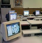 Egy kattintással átvihető a tanári gép képe a diákokéra.